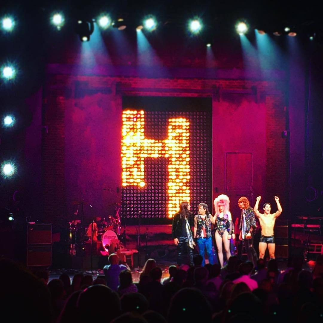 "HEDWIGTOUR - Pics, gifs, media videos, curtain call videos, stage door videos, and posts of ""who saw Darren"" in Hedwig and the Angry Inch--SF and L.A. (Tour),  - Page 3 Tumblr_of344onKdx1uetdyxo1_1280"