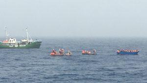الآلاف من المهاجرين يوجدون بمراكز احتجاز في ليبيا Tumblr_inline_opqu4hThbT1uyx2xt_540