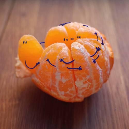 [mékilékon] n°117 :la bible nous apprend à nous aimer les uns, les autres ... le kama-sutra comment procéder Tumblr_okwqrmqNsg1vdu2t9o1_500