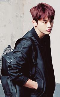 Seo In Guk • 200*320 Tumblr_on8iy802yT1qcyevfo5_250