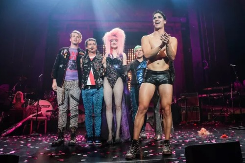 "versace - Pics, gifs, media videos, curtain call videos, stage door videos, and posts of ""who saw Darren"" in Hedwig and the Angry Inch--SF and L.A. (Tour),  - Page 5 Tumblr_og3dof41KX1uetdyxo3_500"