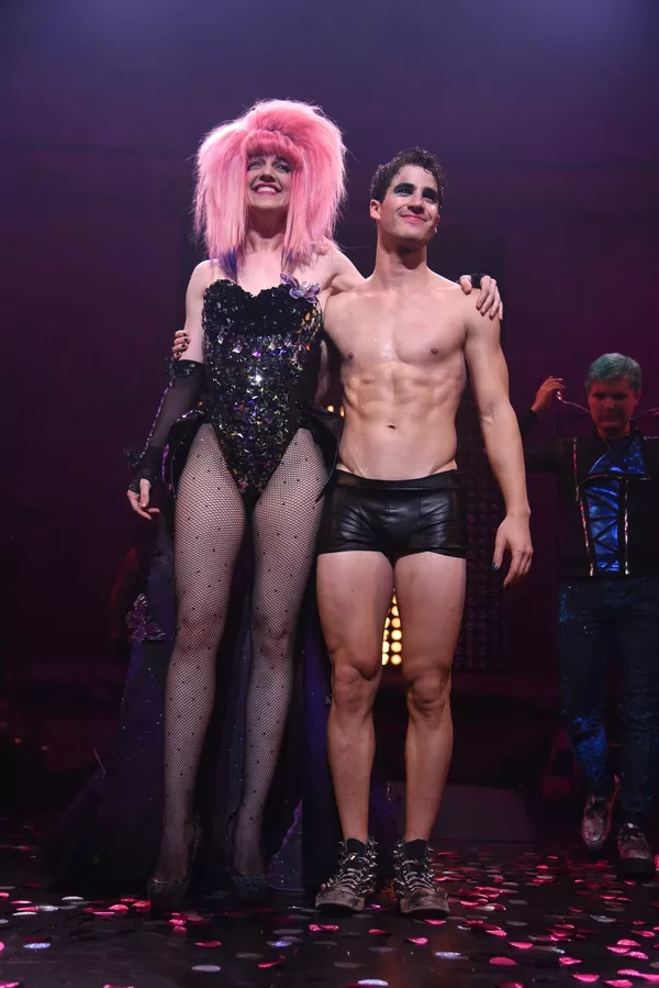 "Pics, gifs, media videos, curtain call videos, stage door videos, and posts of ""who saw Darren"" in Hedwig and the Angry Inch--SF and L.A. (Tour),  - Page 2 Tumblr_oenmhyqjil1uetdyxo4_1280"