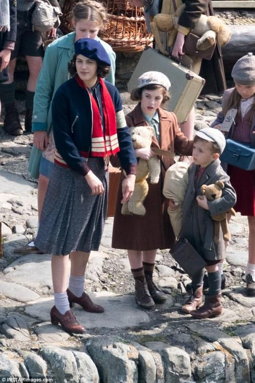 The Guernsey Literary & Potato Peel Pie Society de Mike Newell - Page 2 Tumblr_opchr4JStg1rrpfn3o2_500