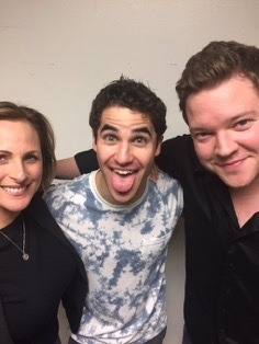 "celebrityphotographer - Pics, gifs, media videos, curtain call videos, stage door videos, and posts of ""who saw Darren"" in Hedwig and the Angry Inch--SF and L.A. (Tour),  - Page 7 Tumblr_ogyw6iF7cO1ubd9qxo1_250"
