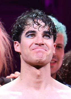 Topics tagged under darrenishedwig on Darren Criss Fan Community Tumblr_nrsvuhYeuL1s9mvn1o1_250