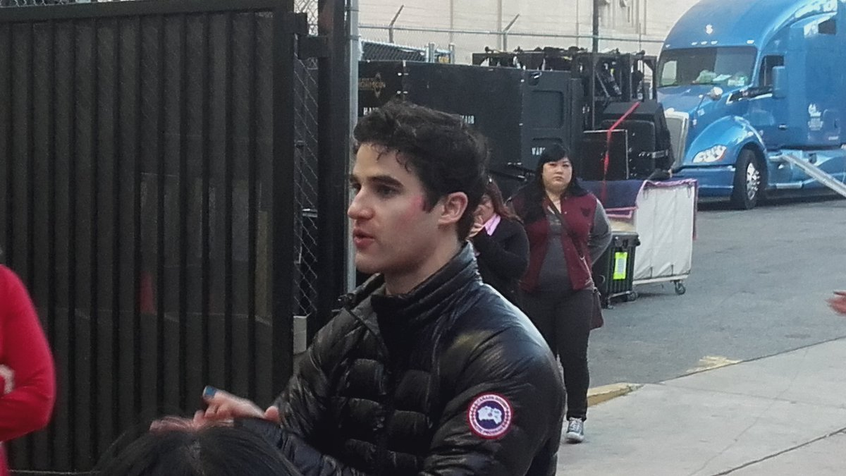 "celebrityphotographer - Pics, gifs, media videos, curtain call videos, stage door videos, and posts of ""who saw Darren"" in Hedwig and the Angry Inch--SF and L.A. (Tour),  - Page 7 Tumblr_ohd8xp6eO71uetdyxo1_1280"