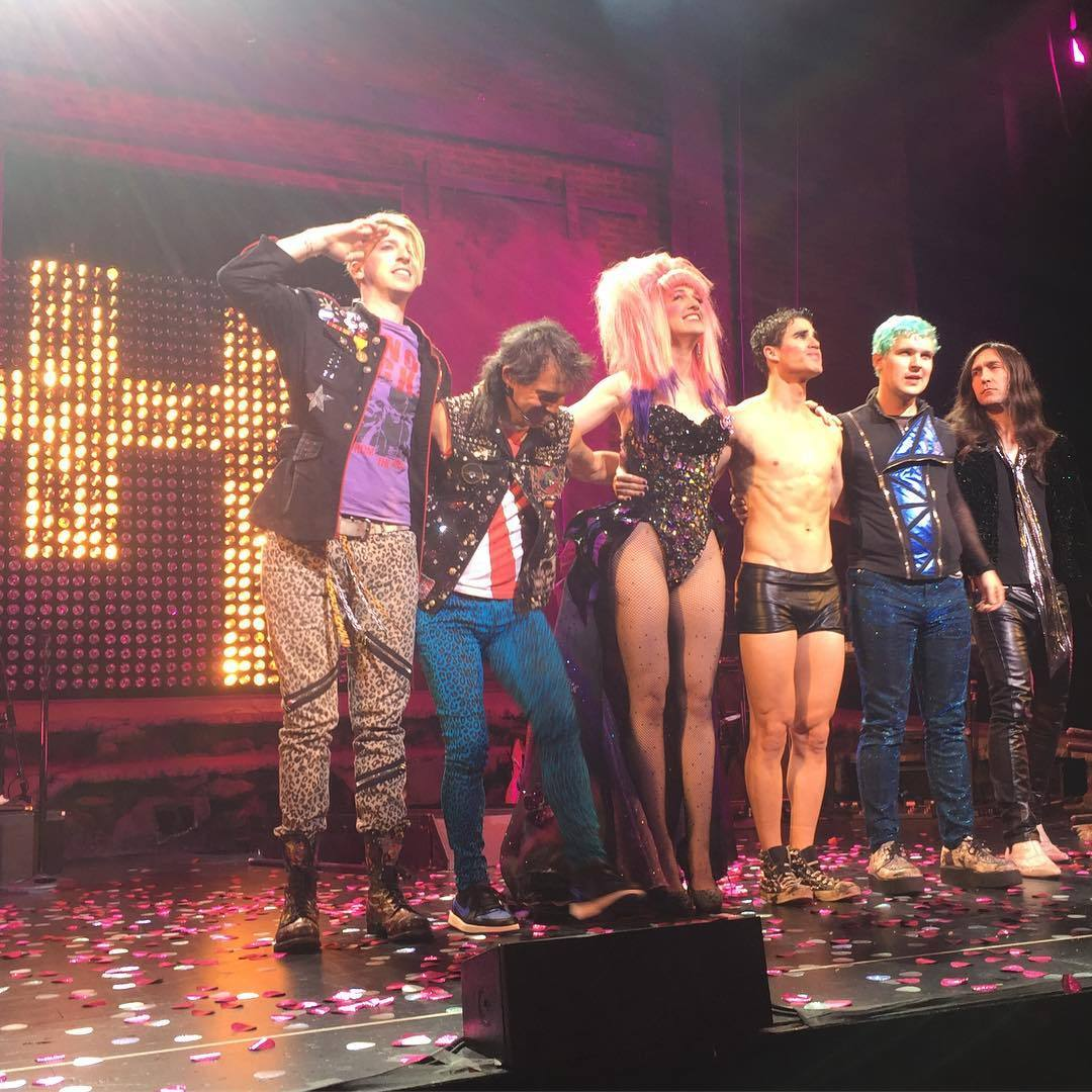 "HEDWIGTOUR - Pics, gifs, media videos, curtain call videos, stage door videos, and posts of ""who saw Darren"" in Hedwig and the Angry Inch--SF and L.A. (Tour),  - Page 3 Tumblr_oeyxrrA89f1uetdyxo3_r1_1280"