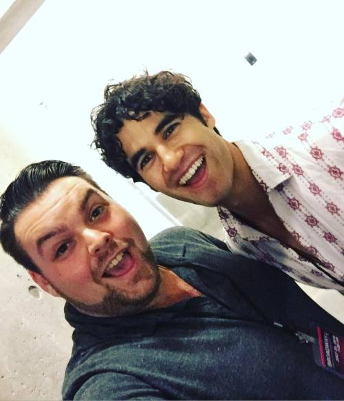 Topics tagged under backstageselfies on Darren Criss Fan Community Tumblr_oaw9ajuS2E1uetdyxo2_500
