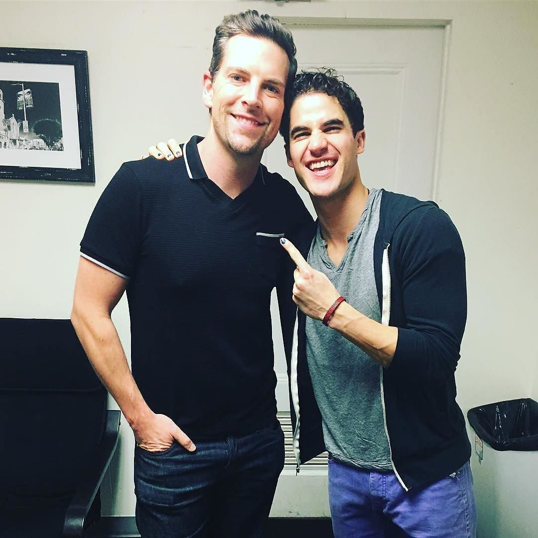 "GLEE - Pics, gifs, media videos, curtain call videos, stage door videos, and posts of ""who saw Darren"" in Hedwig and the Angry Inch--SF and L.A. (Tour),  - Page 5 Tumblr_og4dr9NHwd1ubd9qxo1_1280"