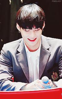 Lee Joo Heon (Monsta X) [LIBRE] Tumblr_owbpzlCTE21qcyevfo8_250