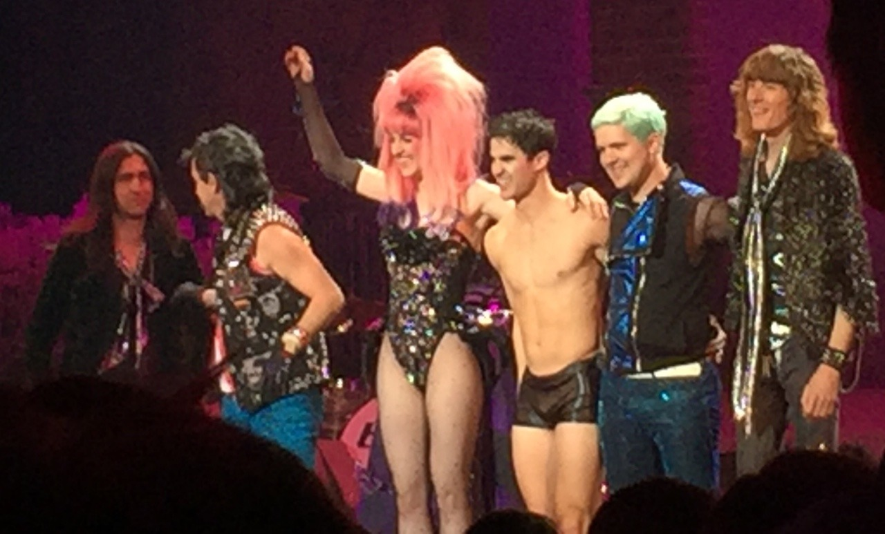 "versace - Pics, gifs, media videos, curtain call videos, stage door videos, and posts of ""who saw Darren"" in Hedwig and the Angry Inch--SF and L.A. (Tour),  - Page 5 Tumblr_og3vrnsoxf1thxfhco4_1280"