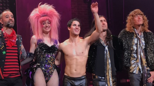 "BornEntertainer - Pics, gifs, media videos, curtain call videos, stage door videos, and posts of ""who saw Darren"" in Hedwig and the Angry Inch--SF and L.A. (Tour),  - Page 4 Tumblr_ofvzvvoVIf1r0rx8mo1_500"
