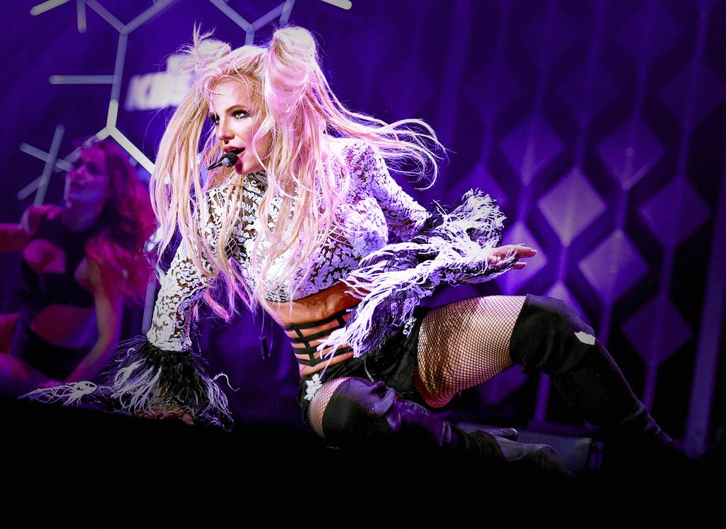 Britney Spears  - Σελίδα 6 Tumblr_ohmrcpCUwz1umavu3o1_1280