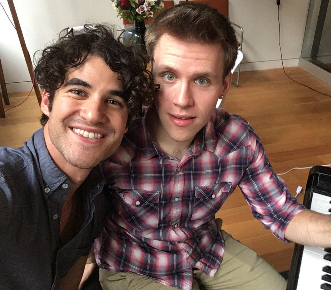 Topics tagged under melting on Darren Criss Fan Community Tumblr_ocsqkqGKst1uetdyxo1_1280