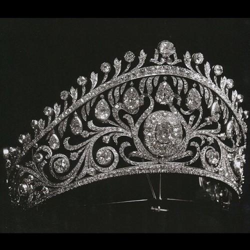 تيجان ملكية  امبراطورية فاخرة Tumblr_ninuamhsSF1takcvto1_500