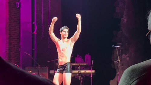 "hedwigandtheangryinch - Pics, gifs, media videos, curtain call videos, stage door videos, and posts of ""who saw Darren"" in Hedwig and the Angry Inch--SF and L.A. (Tour),  - Page 7 Tumblr_ohbqn7Tl2E1uetdyxo4_500"