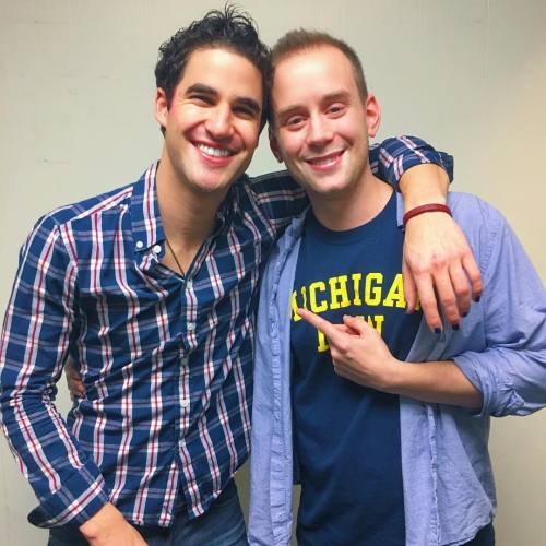 "hedwigandtheangryinch - Pics, gifs, media videos, curtain call videos, stage door videos, and posts of ""who saw Darren"" in Hedwig and the Angry Inch--SF and L.A. (Tour),  - Page 7 Tumblr_oh9zyt25EJ1uetdyxo1_500"
