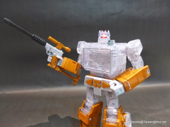 [Masterpiece Hasbro] YEAR OF THE GOAT SOUNDWAVE - Sortie Mars 2014 4AMZYr7p