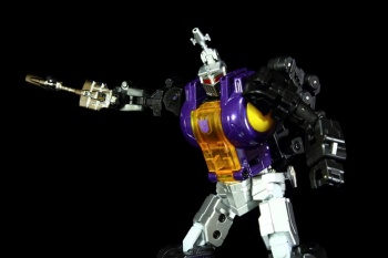 [Fanstoys] Produit Tiers - Jouet FT-12 Grenadier / FT-13 Mercenary / FT-14 Forager - aka Insecticons - Page 2 5OwsxzYN