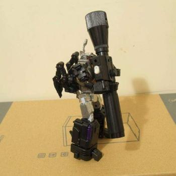 [Fanstoys] Produit Tiers - Jouet FT-12 Grenadier / FT-13 Mercenary / FT-14 Forager - aka Insecticons - Page 2 6jcovxEm