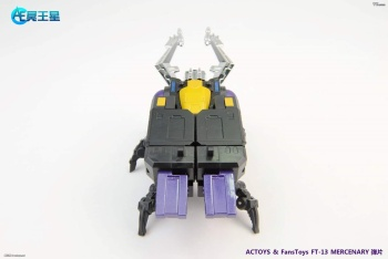 [Fanstoys] Produit Tiers - Jouet FT-12 Grenadier / FT-13 Mercenary / FT-14 Forager - aka Insecticons - Page 2 98a4dXJR