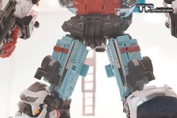 [MakeToys] Produit Tiers - Jouet MTCM-04 Guardia (aka Protectobots - Defensor/Defenso) - Page 2 9VJwVZDp