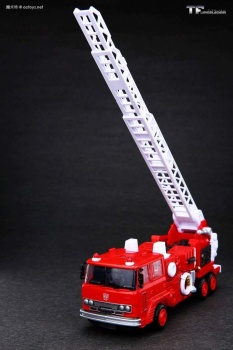[Maketoys] Produit Tiers - MTRM-03 Hellfire (aka Inferno) et MTRM-05 Wrestle (aka Grapple/Grappin) - Page 4 AmHcw4vP