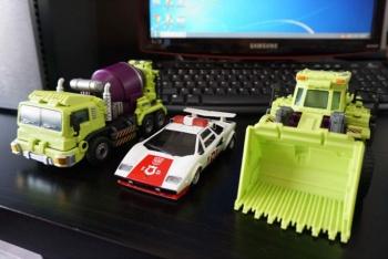 [Generation Toy] Produit Tiers - Jouet GT-01 Gravity Builder - aka Devastator/Dévastateur - Page 2 BHgUHkiW