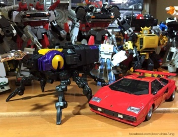[Fanstoys] Produit Tiers - Jouet FT-12 Grenadier / FT-13 Mercenary / FT-14 Forager - aka Insecticons - Page 2 CkbjfIfo