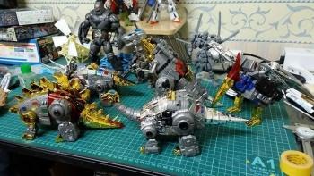 [Toyworld][Zeta Toys] Produit Tiers - Jouet TW-D aka Combiner Dinobots - Page 3 FyhJCxHK