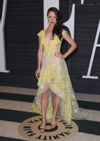 """Juliette Lewis """"2015 Vanity Fair Oscar Party hosted by Graydon Carter at Wallis Annenberg Center for the Performing Arts in Beverly Hills"""" (22.02.2015) 51x GCm92kw5"""