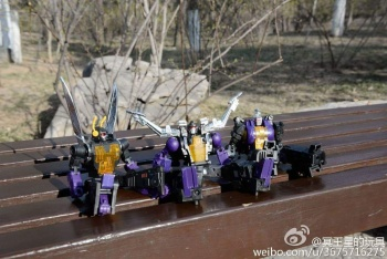 [Fanstoys] Produit Tiers - Jouet FT-12 Grenadier / FT-13 Mercenary / FT-14 Forager - aka Insecticons - Page 3 HzngbrIm