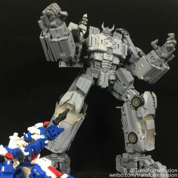 [Transform Mission] Produit Tiers - Jouet M-01 AutoSamurai - aka Menasor/Menaseur des BD IDW JsetxWlO
