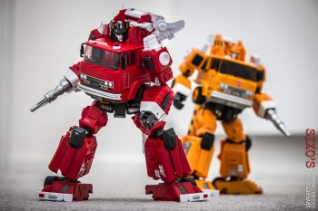 [Maketoys] Produit Tiers - MTRM-03 Hellfire (aka Inferno) et MTRM-05 Wrestle (aka Grapple/Grappin) - Page 3 KMS1IFVF