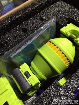 [Toyworld] Produit Tiers - Jouet TW-C Constructor aka Devastator/Dévastateur (Version vert G1 et jaune G2) - Page 4 Q4X2FY5S