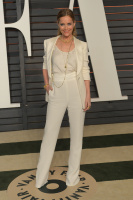 """Leslie Mann """"2015 Vanity Fair Oscar Party hosted by Graydon Carter at Wallis Annenberg Center for the Performing Arts in Beverly Hills"""" (22.02.2015) 126x  VdrkcxiT"""