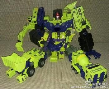 [Toyworld] Produit Tiers - Jouet TW-C Constructor aka Devastator/Dévastateur (Version vert G1 et jaune G2) - Page 6 Z8TAKi3V