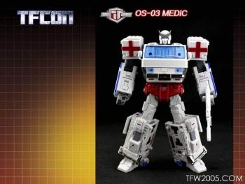 [TFC Toys] Produit Tiers - OS-01 Ironwill (aka Ironhide/Rhino) & OS-03 Medic (aka Ratchet/Mécano) BftaxTeF