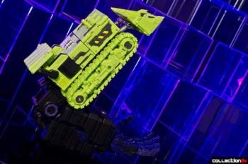 [Toyworld] Produit Tiers - Jouet TW-C Constructor aka Devastator/Dévastateur (Version vert G1 et jaune G2) - Page 4 DBrlX8g4