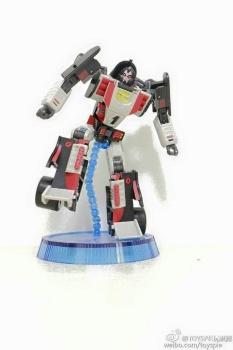 [DX9 Toys] Produit Tiers - UT-D01 Salmoore (aka Cykill des GoBots) + 003C Cocomone (aka Crasher/Démo des GoBots) DOeBqVGf