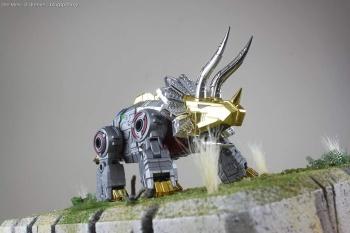 [Toyworld][Zeta Toys] Produit Tiers - Jouet TW-D aka Combiner Dinobots - Page 3 FTjhzed4