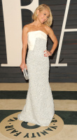 """Kelly Ripa """"2015 Vanity Fair Oscar Party hosted by Graydon Carter at Wallis Annenberg Center for the Performing Arts in Beverly Hills"""" (22.02.2015) 48x  JSbQN4BY"""