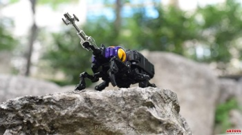 [Fanstoys] Produit Tiers - Jouet FT-12 Grenadier / FT-13 Mercenary / FT-14 Forager - aka Insecticons - Page 2 JrTMlZFc
