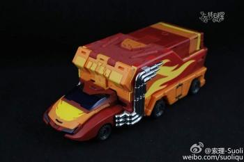 [DX9 Toys] Produit Tiers - Jouet D-06 Carry aka Rodimus et D-06T Terror aka Black Rodimus - Page 2 LimbyhGn