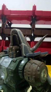 [Masterpiece Tiers] GIGA POWER HQ-02 GRASSOR aka SLAG - Sortie ??? N7D3aOhv