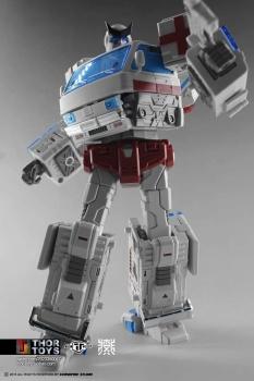 [TFC Toys] Produit Tiers - OS-01 Ironwill (aka Ironhide/Rhino) & OS-03 Medic (aka Ratchet/Mécano) - Page 2 RBxtribt