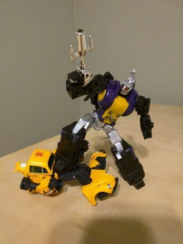 [Fanstoys] Produit Tiers - Jouet FT-12 Grenadier / FT-13 Mercenary / FT-14 Forager - aka Insecticons - Page 2 RFg4VKRq
