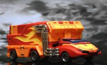 [DX9 Toys] Produit Tiers - Jouet D-06 Carry aka Rodimus et D-06T Terror aka Black Rodimus - Page 2 SpweidZX