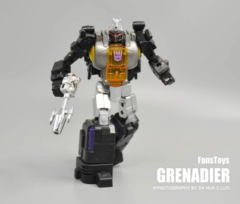 [Fanstoys] Produit Tiers - Jouet FT-12 Grenadier / FT-13 Mercenary / FT-14 Forager - aka Insecticons - Page 2 Vnq962is