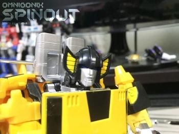 [Omnigonix] Produit Tiers - Jouet V-01 Spinout - aka Sunstreaker/Solo - Page 3 YdbbwSbv